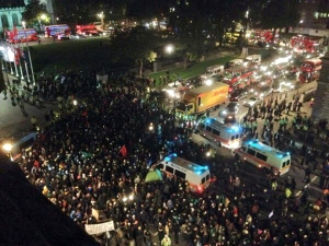 The Blog Pirate ‏@TheBlogPirate 21h The media is still not reporting it: scene from an hour ago outside Houses of Parliament, London. #MillionMaskMarch