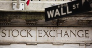 Global-Financial-Systems_GM1E9590E6P01_Wall-street-sign1-628x330